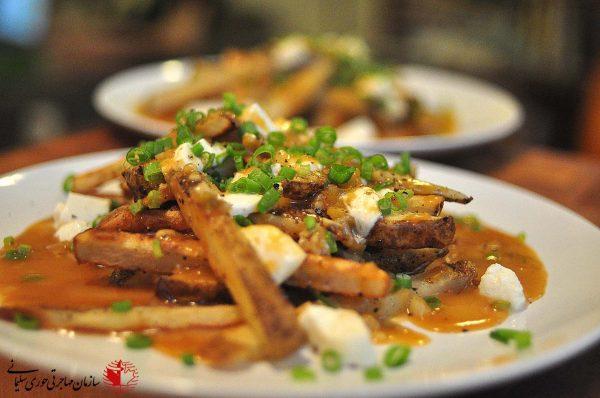 8 غذای پرطرفدار کانادا - پوتین
