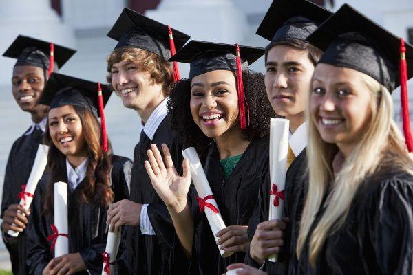 دانشجویان بین المللی به اقتصاد مهاجران تازه وارد کمک خواهند کرد